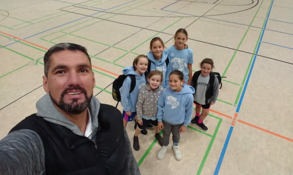 Bascats Herbstcamp- Ex- NBA Profi Bruno Šundov engagiert sich für Düsseldorfer Mädchenbasketball