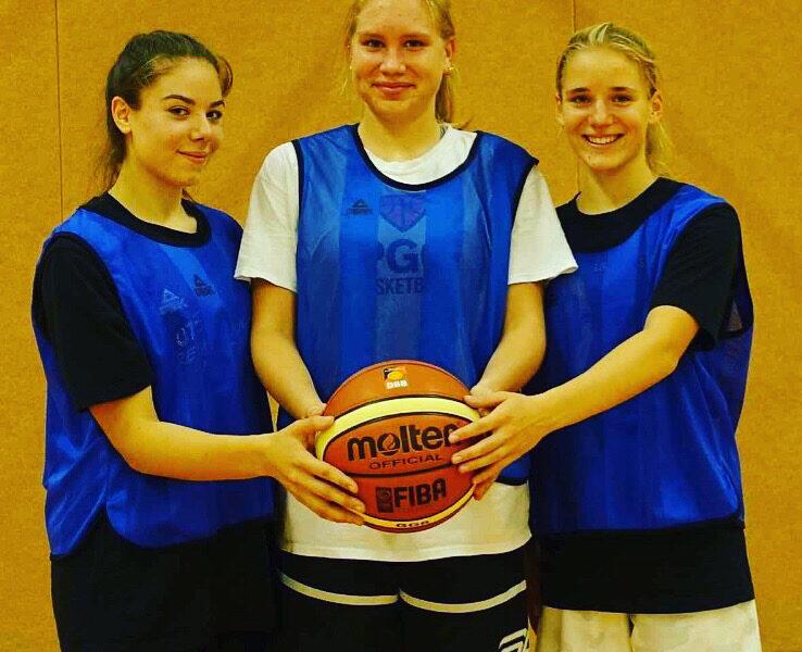 Von der U18 in den Bundesliga Kader. Glückwunsch Mädels! Den direkten Sprung in den Kader schafften Rebecca Vrabie, Luca Raschke und Hermine Zenk. Das habt ihr euch verdient! Cats go!