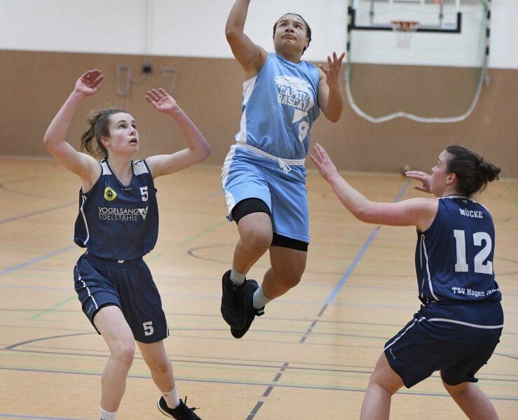 Auch in der nächsten Saison wieder mit dabei. Tatiana Tenorio weiterhin in Capitol Blue für die 1. Damen Mannschaft. Cats go!
